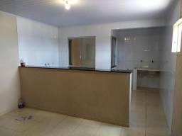 Aluga-se apartamento na Santa Maria QR 303 Conj. B