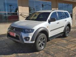 Pajero Outdoor 3.2 - 4x4 - Automática - Kit Multimídia - 2017