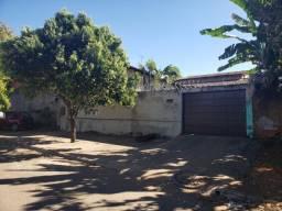 Vende casa Jardim Novo Mundo 3/4 , com 3 vagas de garagem coberta, ampla área de varanda