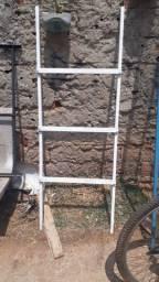 Escada pequena de metalon 1,5m