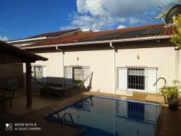 Casa 03 quartos para venda Rezende, Varginha-MG.