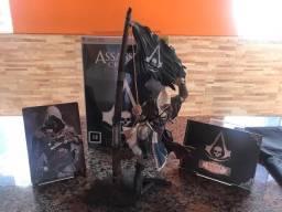 Jogo com Boneco livro e CD assassins creed IV Xbox 360