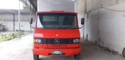 Caminhão  MB 710plus ano 2008 baú de 5 metros 95 mil aceito oferta.