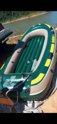 Bote para 4 pessoas com Motor