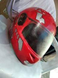 Título do anúncio: Vende-se capacetes usados