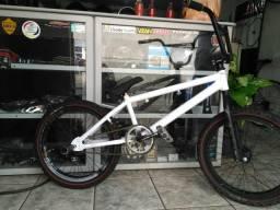 Bicicleta BMX quadro S10