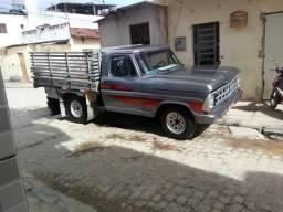 Vendo ou troco pir Toyota cabine dupla - 1983