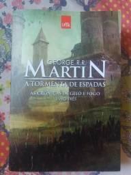 Livro 3 A Tormenta de Espadas - As Crônicas de Gelo e Fogo - George R. R. Martin novo