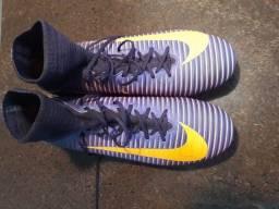 Chuteira Nike profissional, linha 1