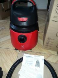 Aspirador eletrolux na caixa novo