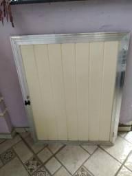 Portãozinho alumínio e PVC