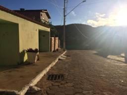 Aluga -se casa em Montezuma -MG, para turistas.