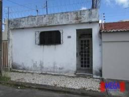 Casa com 1 dormitório para alugar, 24 m² - Amadeu Furtado - Fortaleza/CE