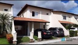 Casa em condomínio no Cambeba 03 quartos.