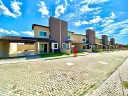 Casa Duplex com 3 Quartos em Condomínio Fechado no Eusébio