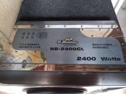 caixa com 3 peito de moça e um módulo Buster de 2.400
