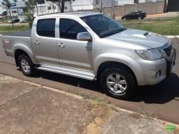 Caminhonete Toyota Hilux SRV