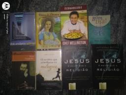 Vendo livros usados variados