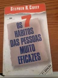 """Livro """" Os 7 hábitos das pessoas muito eficazes """" ."""