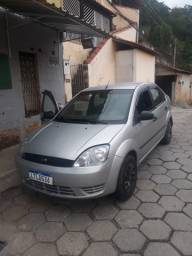 Vendo Ford fiesta sedan 1.6