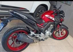 Moto CB250 F Twister CBS