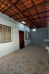 Taynah / Regiane - Ótima casa bem localizada no Bairro Copacabana