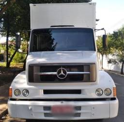 Caminhão MB L1318 4x2