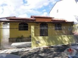 Casa para Venda com 03 quartos sendo 01 suíte no bairro Feira IV