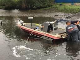 Bass boat Quest 258 com 90 hp - 2002