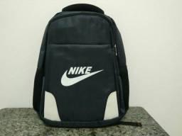 Mochila Nike R$120,00