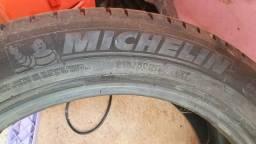 Vendo Pneu Michelin 17 corolla e demais