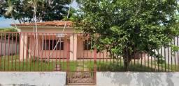 Alugo casa bairro Sta Helena R$1600
