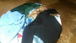 Lote de blusa e calcas