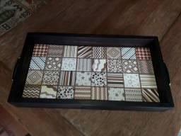 Bandeja em madeira com azulejo nova, usado comprar usado  Ivoti