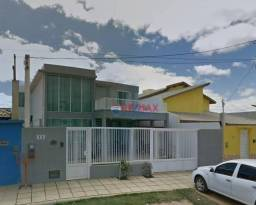 RE/MAX Specialists vende linda casa localizado no bairro Felícia.