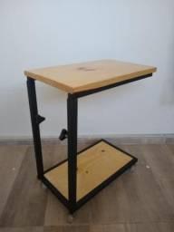 Mesa para computador ajustável