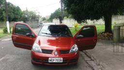 Clio com ar 10.000 - 2011