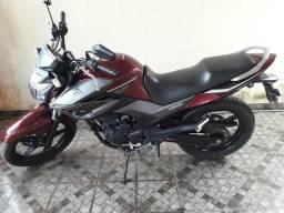 Vende-se uma moto FAZER 250 - 2017