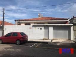 Título do anúncio: Casa com 4 suítes à venda, próximo à Av. Antônio Sales