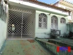 Casa com 4 quartos para alugar, próximo à Av. Jovita Feitosa
