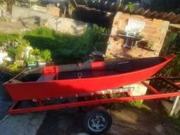 Barco de alumínio e carretinha