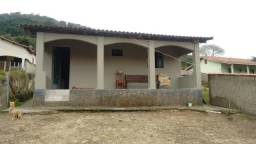 Vende-se casa em Delfim Moreira Mg