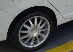 Título do anúncio: Rodas 17 com pneu - troco por aro 15 com pneu