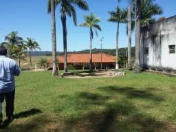 Linda  chácara  mobiliada, lazer e descontração,  8000m² - Araguari - MG