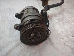 Compressor de ar condicionado automotivo adaptável.