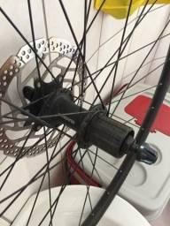 Cubo, disco de freio, aro para bikes