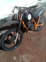 Vendo ou troco moto de trilha - 1998
