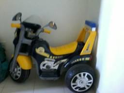 Vendo moto pequena para criança