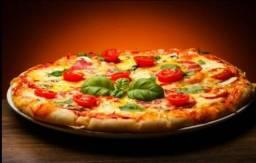 Pizza 4 queijos, marguerita e vegetariana
