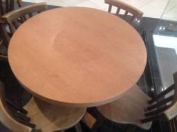 Mesas bistrô em madeira maciça